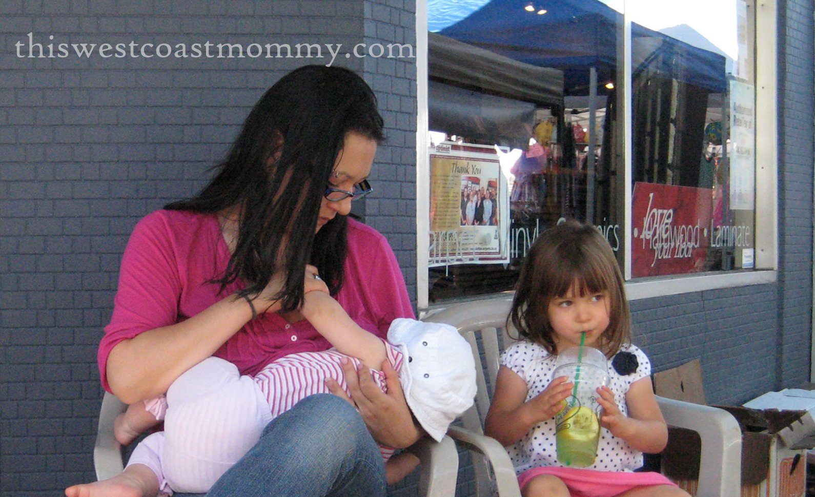 breastfeeding in public Breastfeeding mothers who are forced to stay at home for fear of public humiliation have a documented increase in postpartum depression, psychosis and child abuse no mother should be forced to choose between breastfeeding her child and going out in public mothers in our society already face numerous challenges including social isolation.