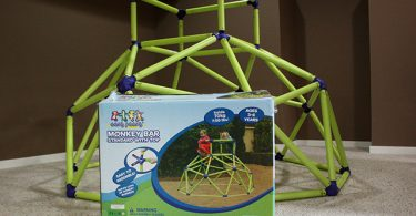 Eezy Peezy Monkey Bars from #MastermindToys are the ultimate gift for an active preschooler! #HolidayGiftGuide - This West Coast Mommy