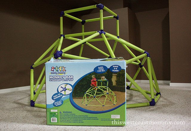 Eezy Peezy Monkey Bars from #MastermindToys is the ultimate gift for an active preschooler! #HolidayGiftGuide - This West Coast Mommy