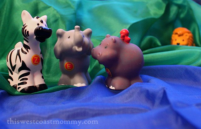 Eco-friendly playsilks from Eko Bear inspire imagination and creative play! #HolidayGiftGuide