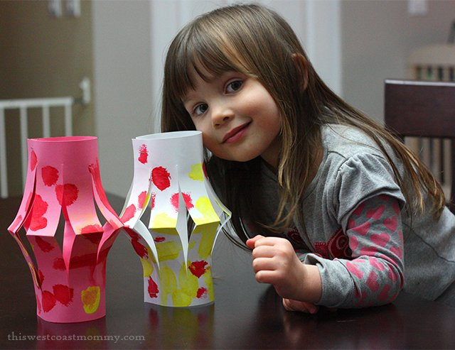 Classic Paper Lanterns #Craft - perfect for #Valentine's Day or #ChineseNewYear