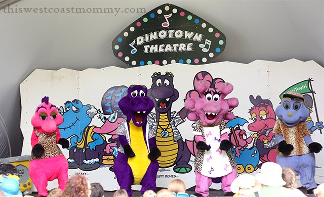 Live performances at the Dinotown Theatre