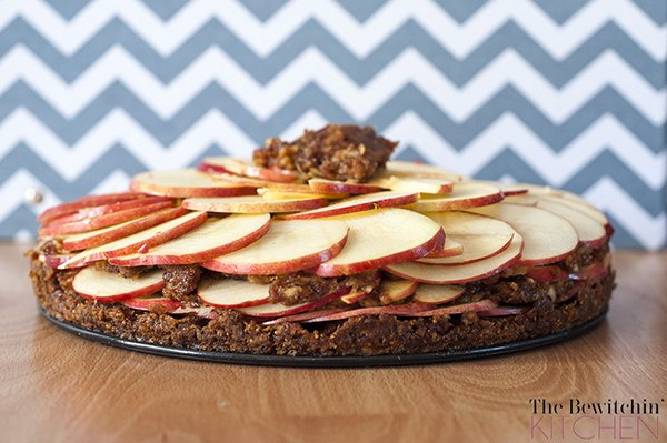 Raw Apple Pie - The Bewitchin' Kitchen - Copy