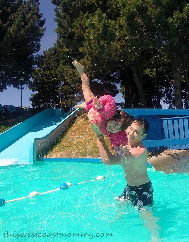 how to get to big splash east coast park