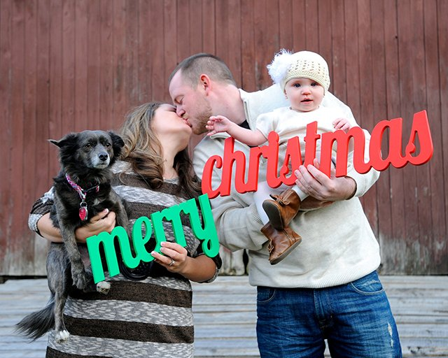 wish all your friends and family a merry christmas with this wooden photo prop