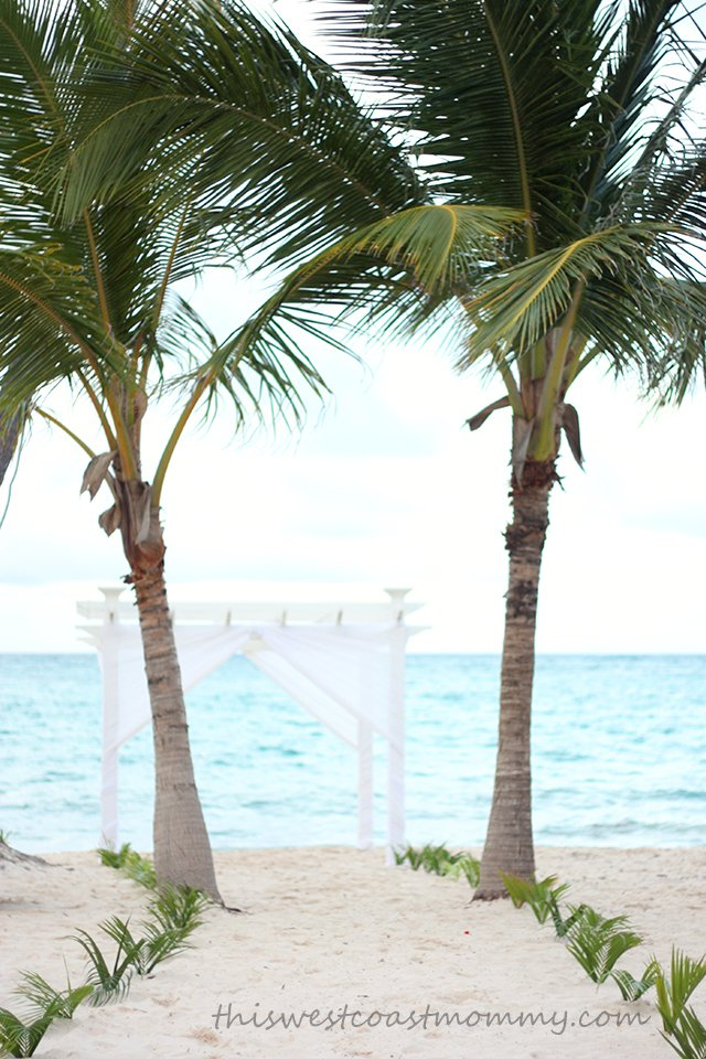 Imagine a Caribbean beach wedding at the Grand Palladium Punta Canad