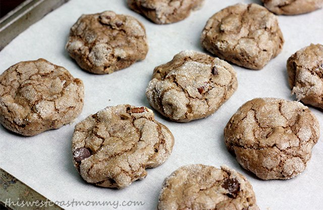 Gluten-free crackled chocolate cookies