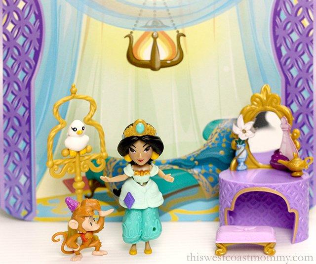 Disney Princess Jasmine's Golden Vanity set