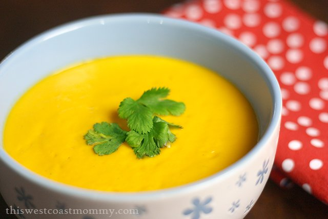 This roasted sweet potato and coconut cream soup is gluten-free, dairy-free, paleo, and Whole30 friendly. Here's how to make it in a blender!