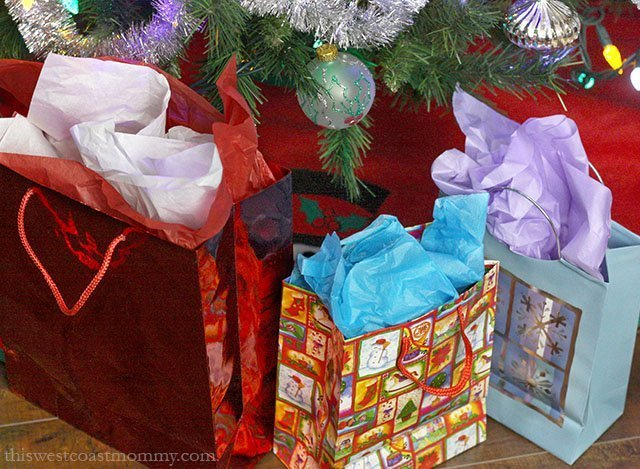 GIFT BAGS RED METALIC LOT OF 10